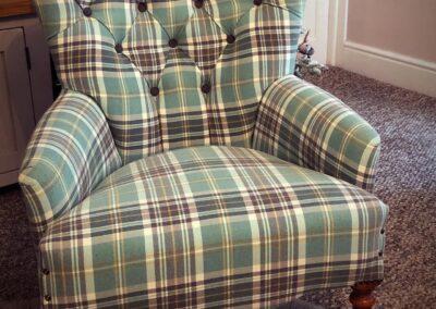 Deep button chair