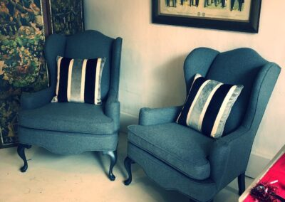 2 Chairs with scatter cushions